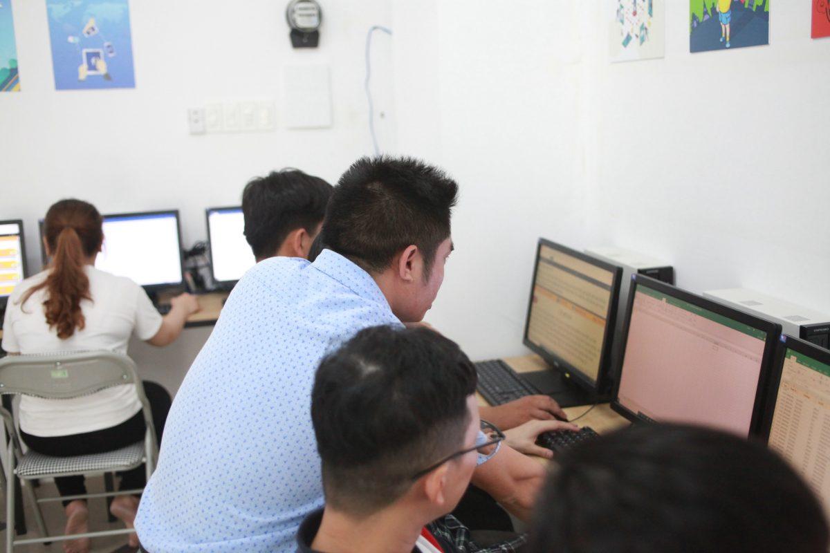 Học vi tính tại trung tâm tin học Huế