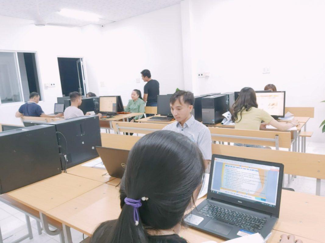 Khoá học tin học văn phòng tại Hương Sơ Huế